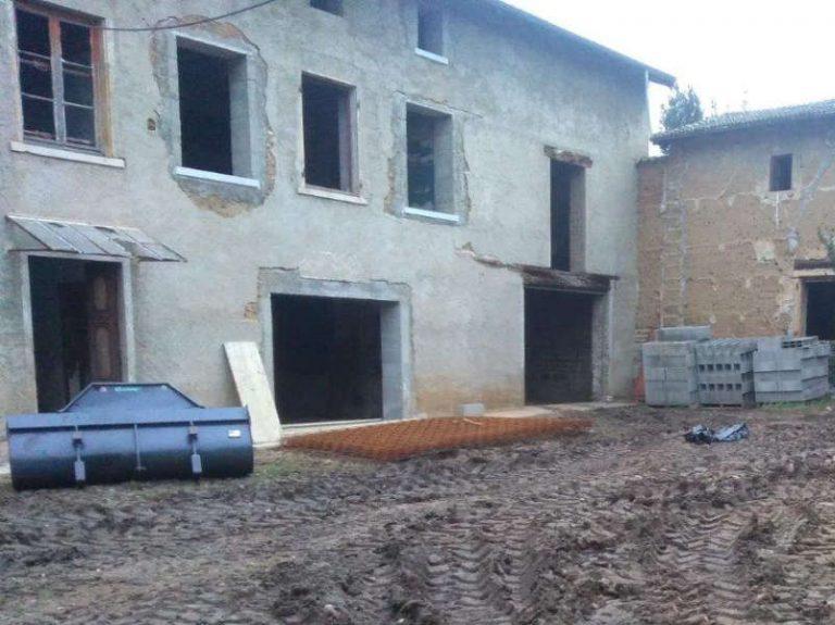 photo des travaux de réhabilitation d'une ferme à Parcieux