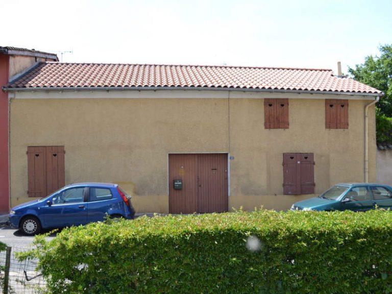 photo d'une maison jumelle Villefranche sur Saône avant rénovation